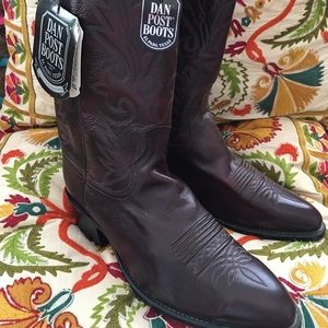 New  Dan post leather boots